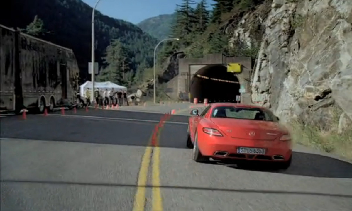 mercedes AMG SLS on approach to the tunnel experiment