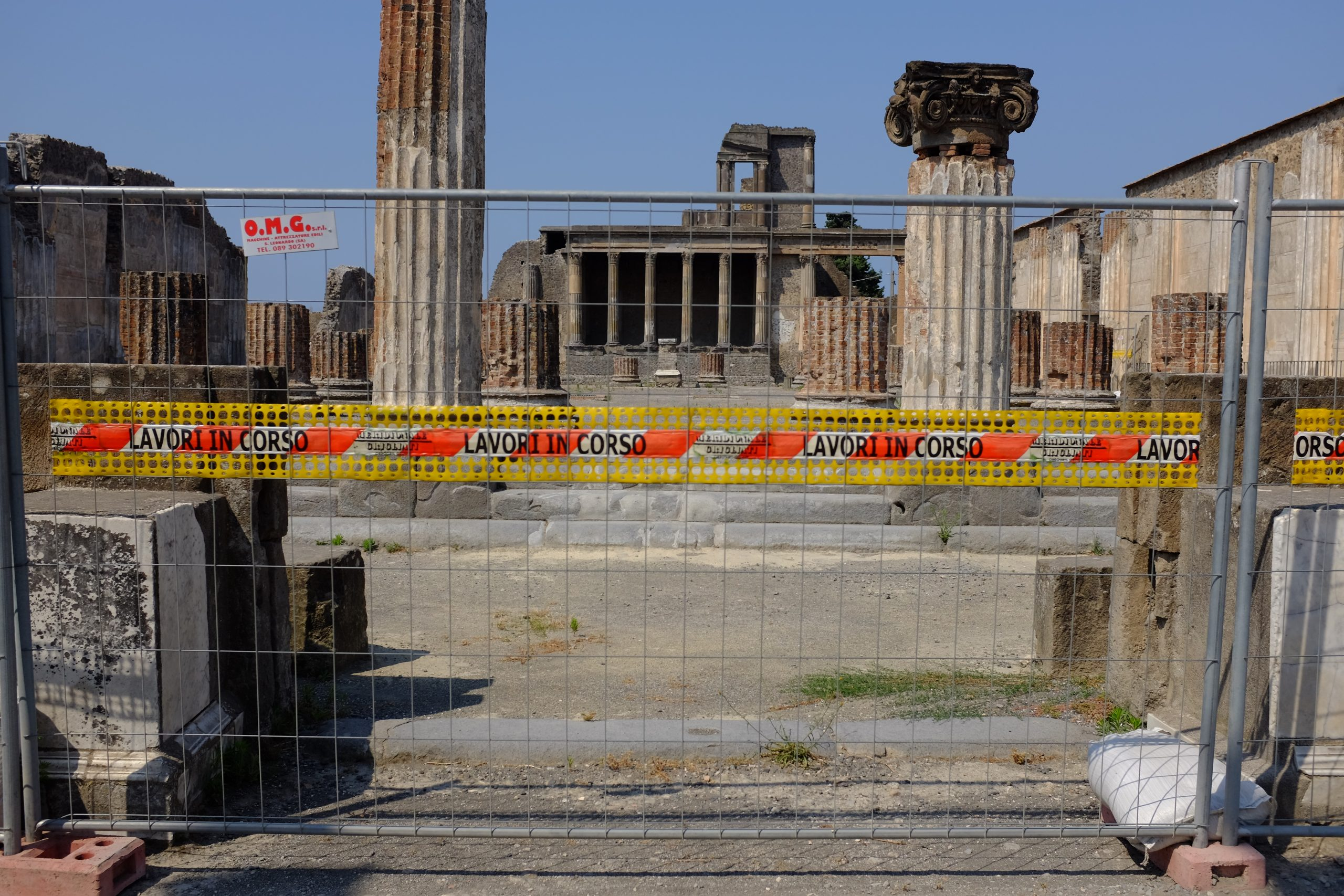 the Pompeii basilica