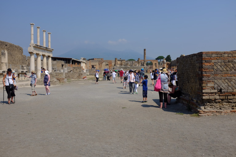 the Pompeii forum